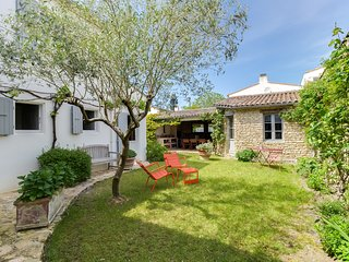 Charming house at Portes-en-Re