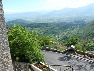 Casa Verde - 2 Bed House - An hour south of Rome with amazing views and terrace