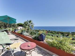Belle villa au parfum d'Orient face à la mer, Sainte-Maxime