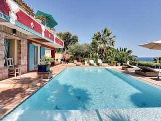 Belle villa au parfum d'Orient face à la mer