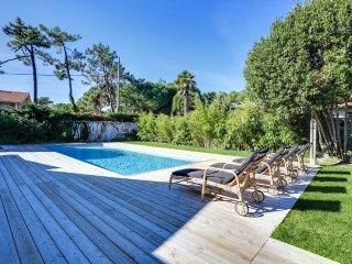 Elégante villa neuve avec piscine