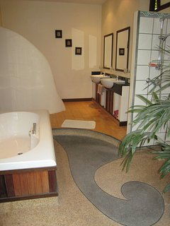 large private bathroom with the mango villa