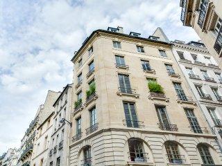Two-Room Apartment for Two in Saint-Germain-des-Pres, Paris