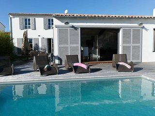 Villa avec piscine et jacuzzi a La Flotte-en-Re