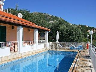 Villa Elia, Nissaki