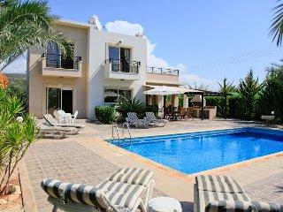 Villa Themis