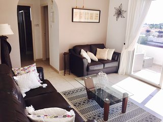 Spacious holiday apartment in Paphos old town, Kissonerga