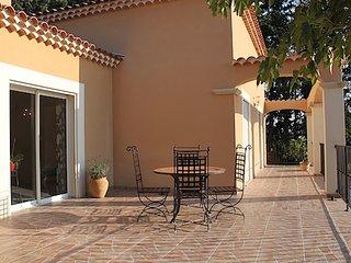Jolie villa avec piscine aux portes du Luberon, Saumane-de-Vaucluse