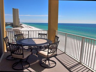 Stunning 3 Bedroom, 7th Floor, Corner Unit with 2 Gulf-Front Masters w/ View!, Panama City Beach