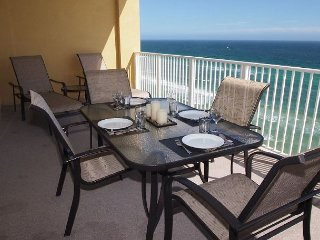 Highly Rated, Gorgeous, Gulf Front, Tropic Winds Condo, Free Beach Service!