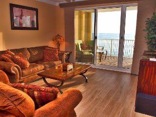 Platinum Rated, Gulf Front, Ocean Reef 2 Bed 2 Bath With Free Beach Service