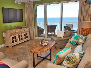 Highly Rated, 2 Bed/2 Bath Ocean Reef Condo, Fabulous Reviews, Beach Service