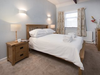 Wagtail Cottage, cosy pet friendly holiday cottage near Berwick on Tweed