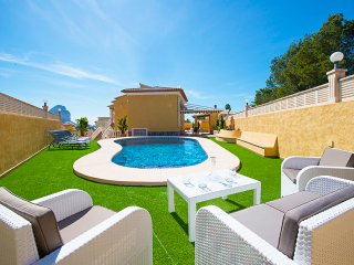 Villa Moll -  Close to the beach and all the facilities with air conditioner., Calpe