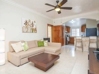 Gorgeous 2 fl., 2600 sq.ft. Penthouse by the beach
