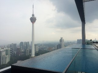 Infinity Pool + Wifi + City Center 2
