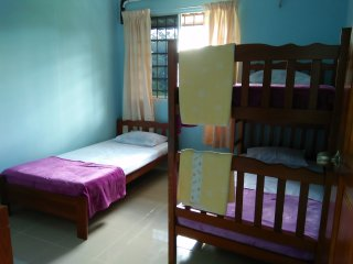 Yellow Guest House, Kuah