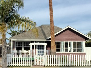 A Family Friendly Santa Cruz Beach Rental in the Heart of Seabright Beach!