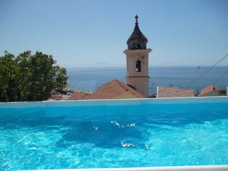 Mini appartamento in villa + depandance e piscina