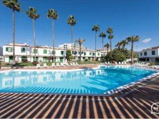 Bungaló con Piscina, Jardín, Terrazas, al lado de Playa del Inglés