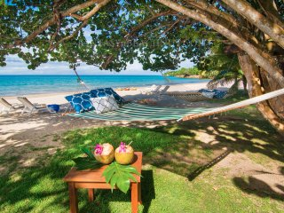 FANTASY : Luxury beachfront villa