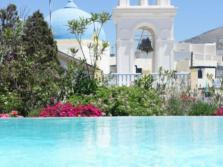 Santorini - Gv - The Winegrowers Mansion Kyani with pool & 3 B/R in a quaint