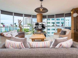Modern Family Condo w Amazing View Miami Beach, Surfside