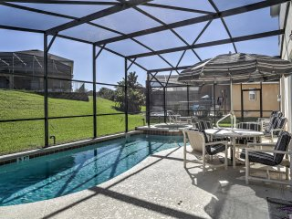 'Penny Lane Villa' Elegant & Spacious 6BR Kissimmee House w/Wifi, Game Room & Private Pool! Awesome Location in Resort Community - Less than 3 Miles from Disney World!