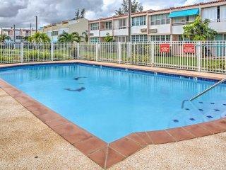 NEW! 'Villa Dos Palmas' - 2BR Vega Baja Beach Townhome