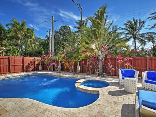 Hollywood House w/ Private Heated Pool & Hot Tub!