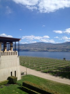 Tons of wineries only 5 to 10 minutes away.