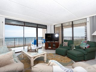 Living area with 2 beach views!