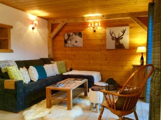 Apartment Midi Romand, a luxury alpine retreat., Essert-Romand