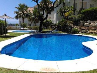 Appartement avec piscine et place de parking