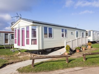 19161 Summerfields area, 2 Bed, 5 Berth, full wheelchair access, close to amenit