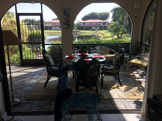 Beautiful Condo directly faced to the Lake, Bonita Springs