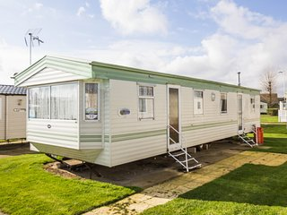 Ref 80053 Fairways Haven Hopton on Sea 8 berth  homely and cosy by the beach.