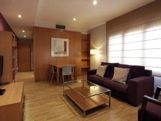 Comfortable apartment with street views. Centrally located,