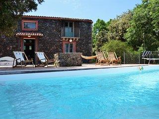 Villa Casameli con piscina, Piedimonte Etneo