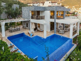 Villa Ada bir is 4 bedroom luxury rental villa Turkey with pool and seaview