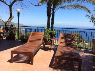 CASA LILI - with Sea View Garden Terrace + BBQ Taormina
