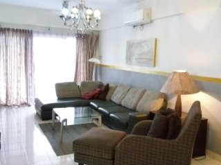 Harta8 Vacation Rental Bukit Bintang 4Rooms2Baths