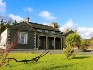 Entire Luxury 8 Bedroom Period Self-Catering Home - Ideal for Weddings & Parties, Crossgar