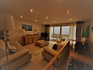 Luxury Pwllheli Beach Town House - Fabulous Views!