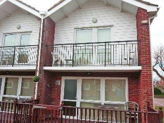 Ref 14032 Waterside Villa, 3 Bed, 5 Berth in Corton Suffolk