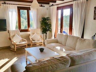 Schöne Villa mit Pool und herrlichem Garten, 2 Minuten zur Bucht von Santanyi!