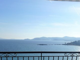 Apartment in the center of Le Lavandou with Parking, Terrace, Washing machine