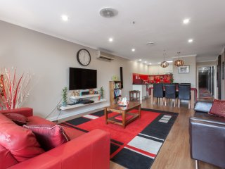 Luv Asian food? 3BD APT Smack Bang in Melbourne's Own Little Saigon