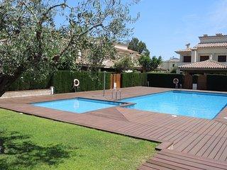 ESTADA2 adosado 4 dormitorios, jardin, piscina