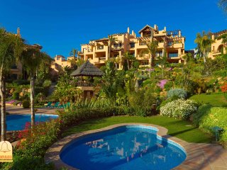 Luxury penthouse in El Campanario resort|Estepona